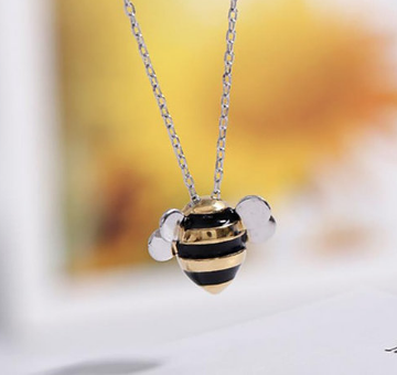 Bee happy! Necklace