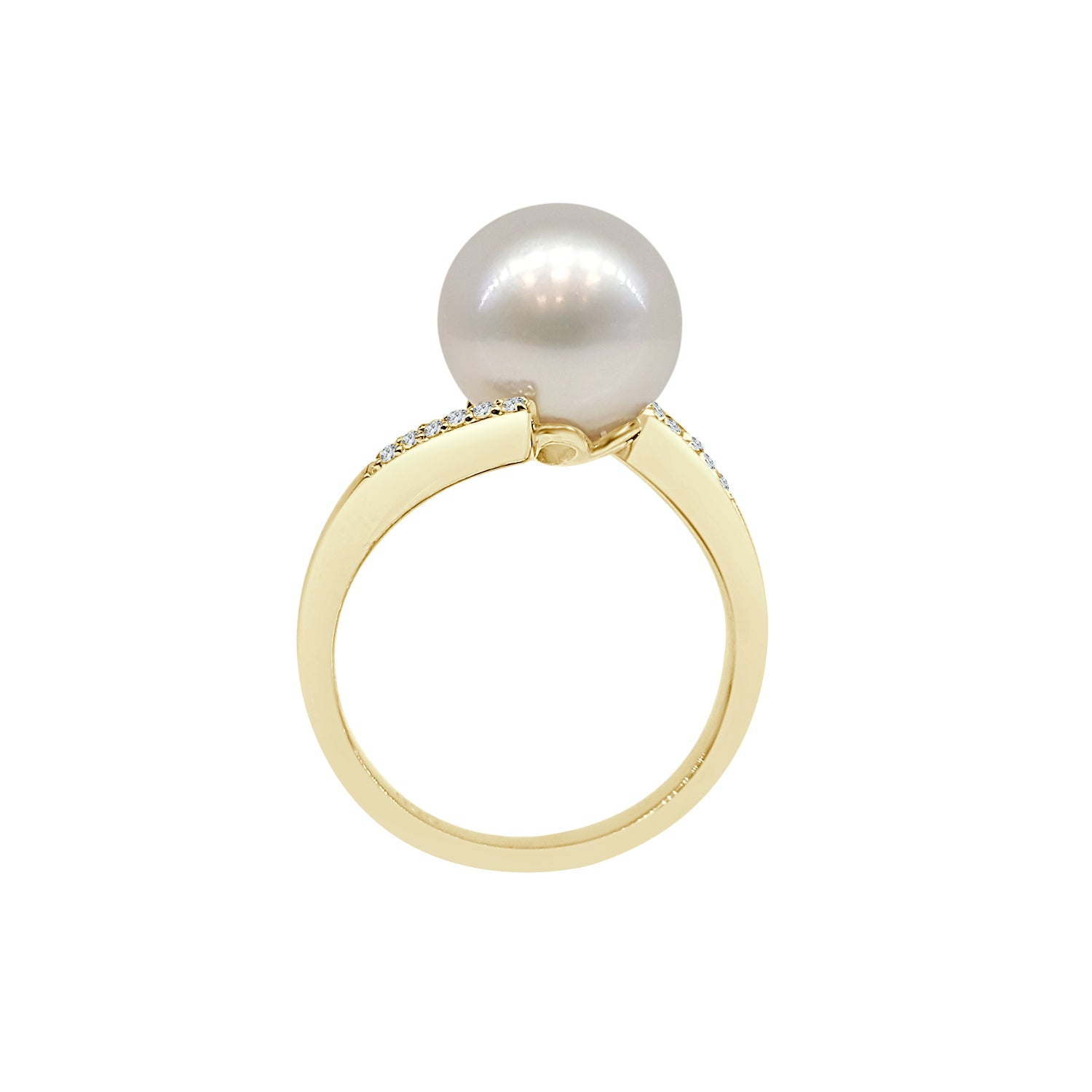 Pearl Ring With Twist Diamond Band