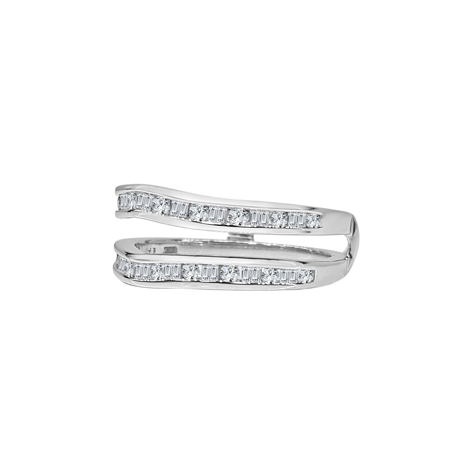 Alternating Baguette And Round Diamond Ring Guard