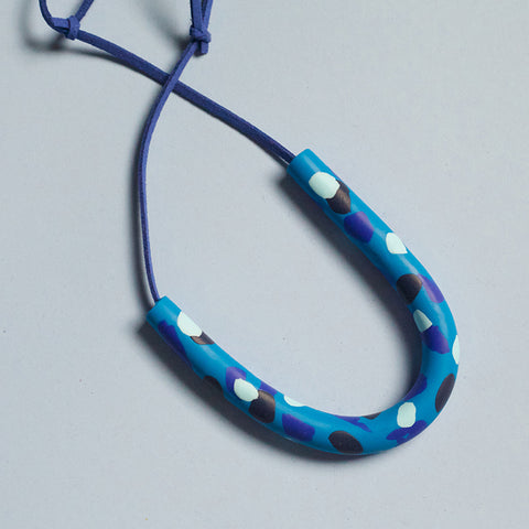 Curved Blue Patterned Necklace