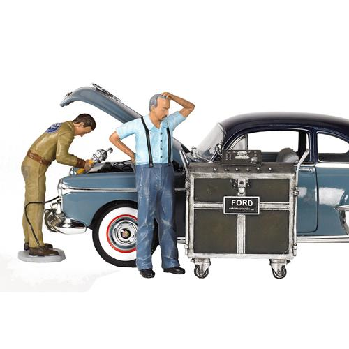Ford Service Center (1945) 3 Piece Figures Set 1/18 by Motorhead Miniatures