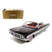 1962 Oldsmobile Starfire Black 1/18 Diecast Car Model by Road Signature
