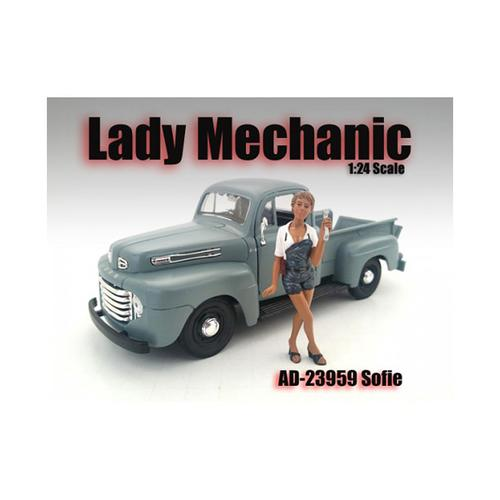 Lady Mechanic Sofie Figure For 1:24 Scale Models by American Diorama