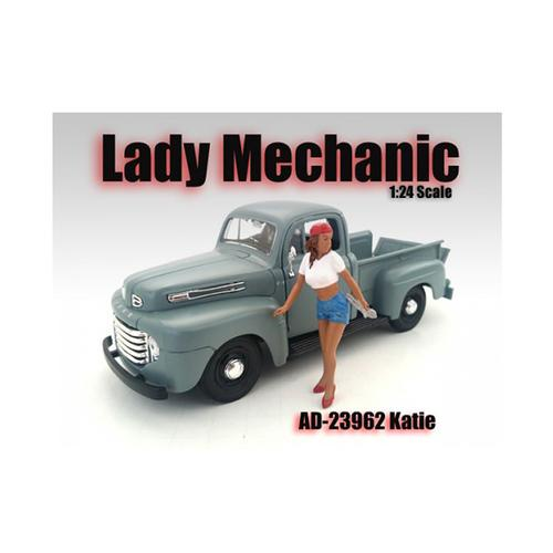 Lady Mechanic Katie Figure For 1:24 Scale Models by American Diorama