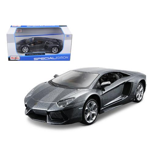 Lamborghini Aventador LP700-4 Grey 1/24 Diecast Model Car by Maisto