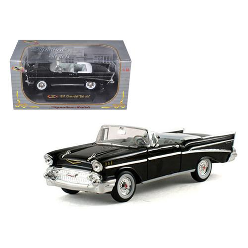 1957 Chevrolet Bel Air Convertible Black 1/32 Diecast Model Car by Signature Models