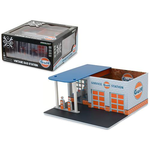 Mechanic's Corner Series 1, Vintage Gas Station Gulf Oil 1/64 by Greenlight