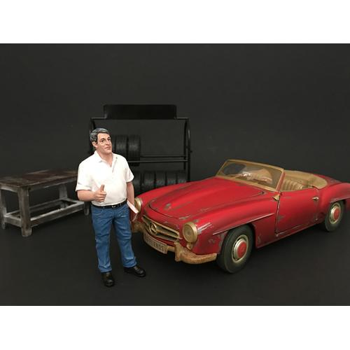 Mechanic Manager Tim Figure For 1:18 Scale Models by American Diorama