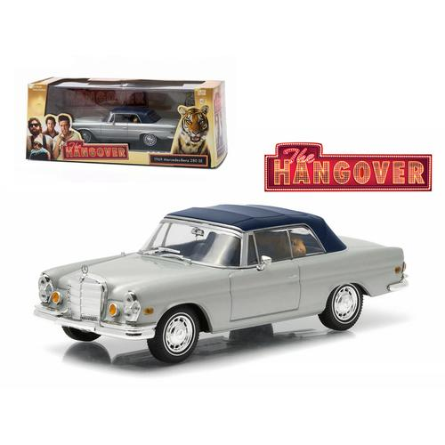 "1969 Mercedes 280 SE Convertible Top Up Damaged with Tiger ""The Hangover"" Movie (2009) 1/43 Diecast Model Car by Greenlight"