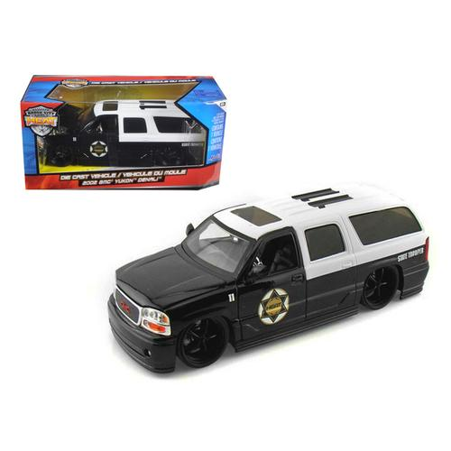 2002 GMC Yukon Denali Police 1/24 Diecast Model Car by Jada