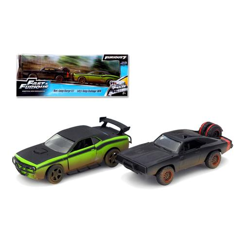 "Dom's 1970 Dodge Charger R/T Off Road and Letty's Dodge Challenger SRT8 ""Fast & Furious 7"" Movie Set of 2 Cars 1/32 Diecast Model Cars by Jada"