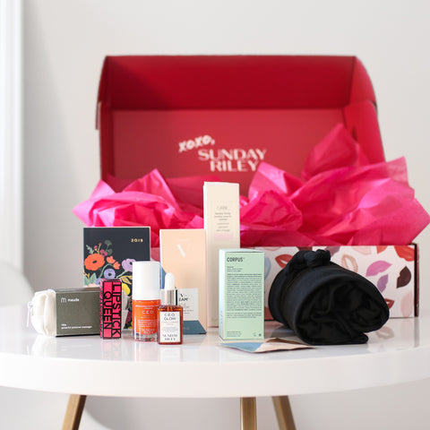 <strong>Sunday Riley</strong><br />Subscription Box (Love Edition 2019)