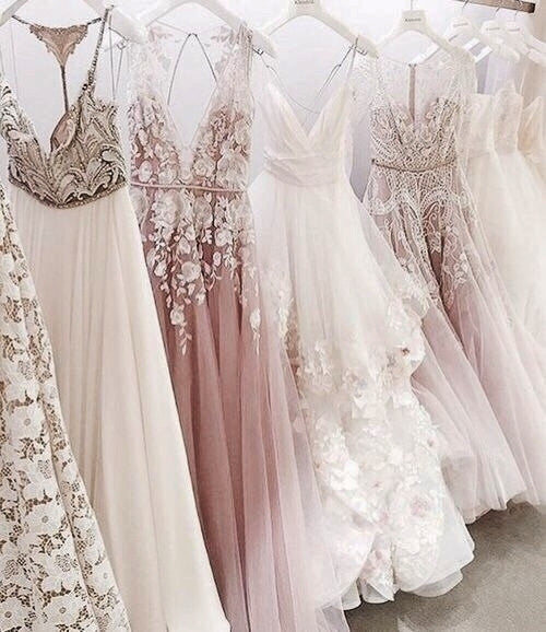 #screaminoutfits #screaminoutfits #gown #gowns #dress #weddingdresses #dresses #girls #love #ny #nyc #cali #wow #Wanderlust #travel #fashion #fashionista #FashionBlog #ootd #ootdblog #beautiful