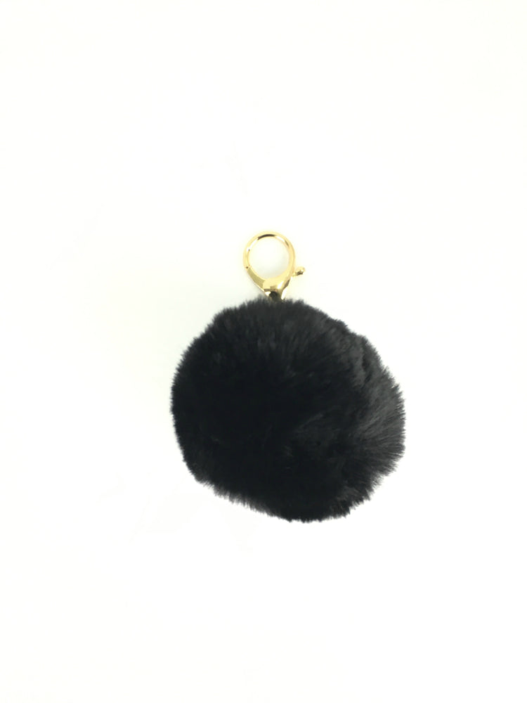 POMPOM PURSE CHARM IN CHARCOL BLACK