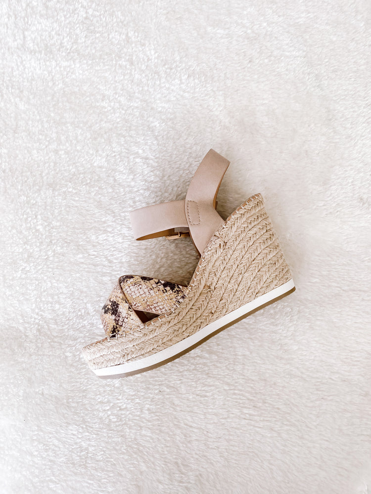Load image into Gallery viewer, TAUPE PYTHON WEDGE SANDAL