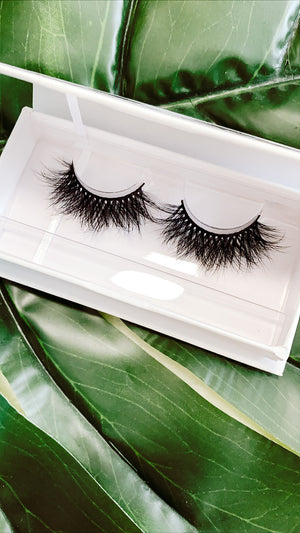 Load image into Gallery viewer, ROYALTY MINK LASHES