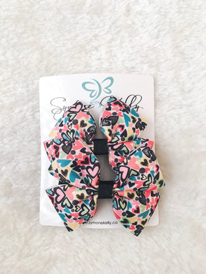 Load image into Gallery viewer, POP OF HEARTS BOUTIQUE BOWS