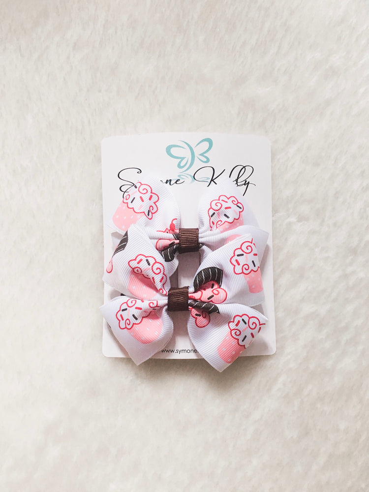 STRAWBERRY N' VANILLA CUPCAKE BOWS