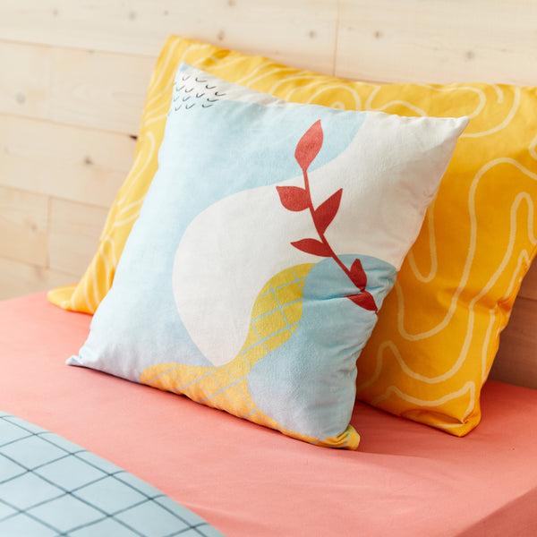 Memphis square cushion