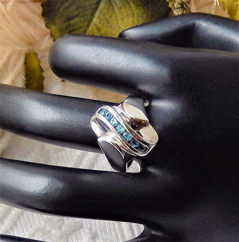 Vintage Signed .925 Sterling Silver & Blue Topaz Ring Size 8