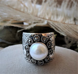 Artisan Crafted Sterling Silver Mabe Pearl Marcasite Engraved Band Wide Ring Size 8