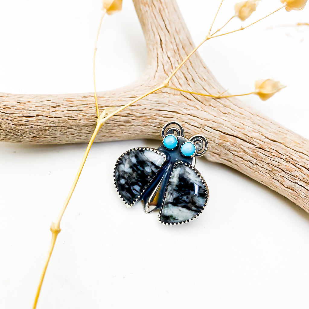 Black Feathered Agate Bug Pin