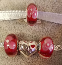 Red Flowers Glass Bead