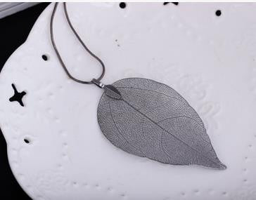 'Graceful' Handmade Leaf Necklace