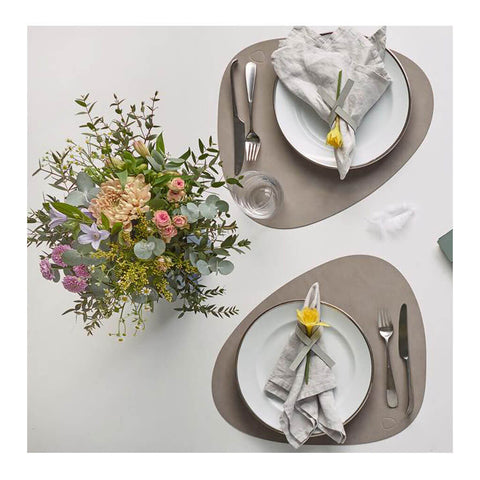 Nupo Curve Table Mat Large in Light Grey by Lind DNA