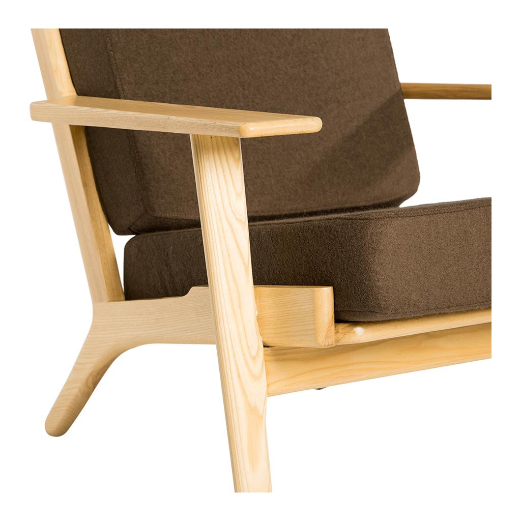wegner plank easy chair ge 290 replica brown the design edit