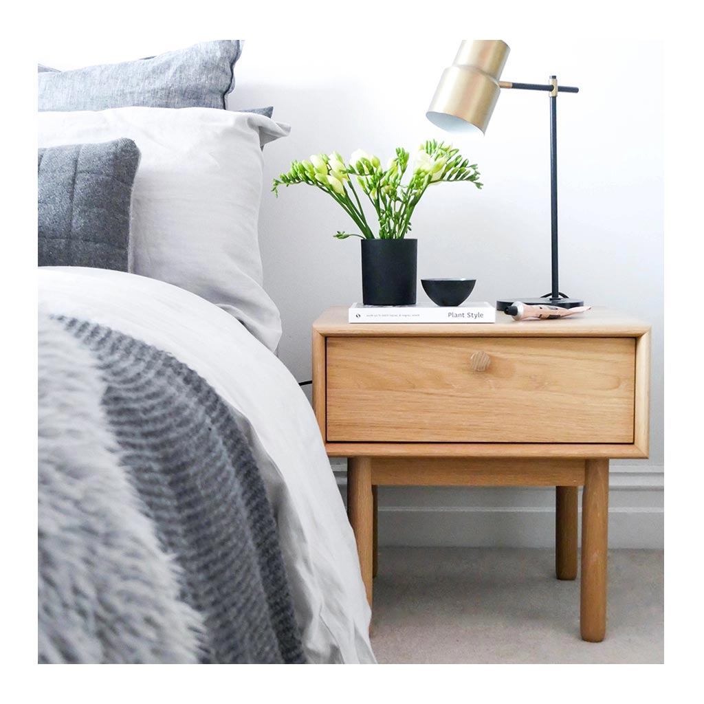 Japanese End Table Wood Accent Stand Modern Lamp Furniture: Natsumi Modern Japanese Wooden Bedside Table