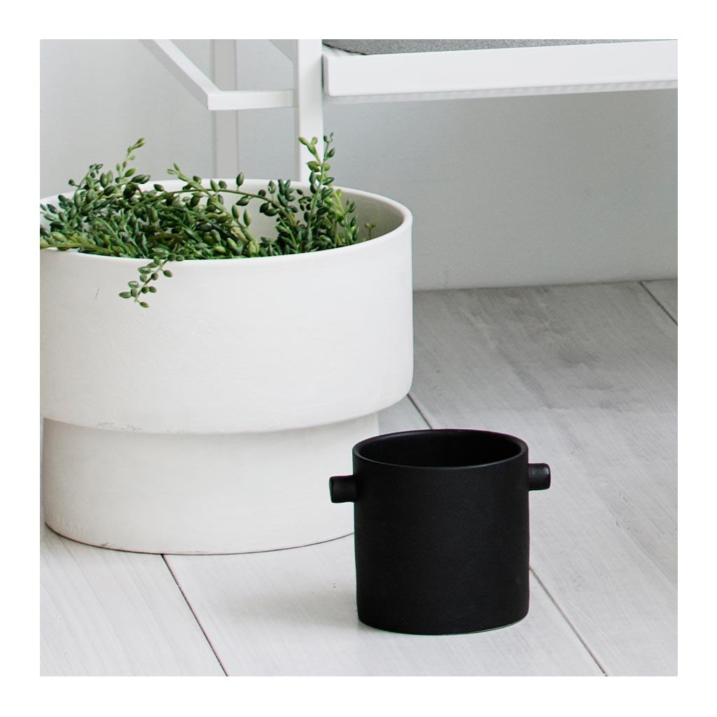 Other décor Zakkia Handle Pot - Small, Charcoal Black 170106004SBLK lifestyle