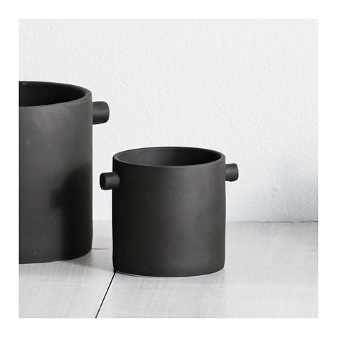 Handle Pot - Small, Charcoal Black by Zakkia