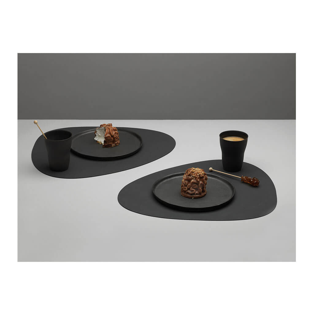 Tableware Lind DNA Nupo Curve Table Mat, Large in Black lifestyle 981900