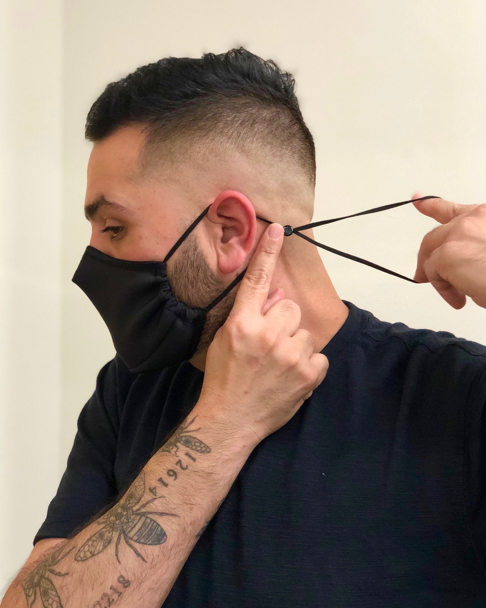 Black Mask V (Adjustable Ear Loops)