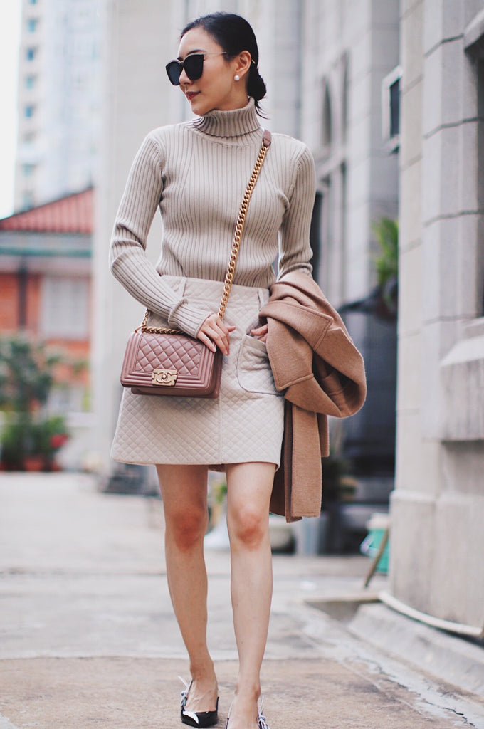 Luxy Theory Beige Turtleneck Ribbed Knit Sweater