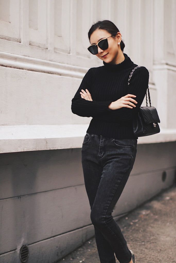 Luxy Theory Black Ribbed Knit Crop Sweater