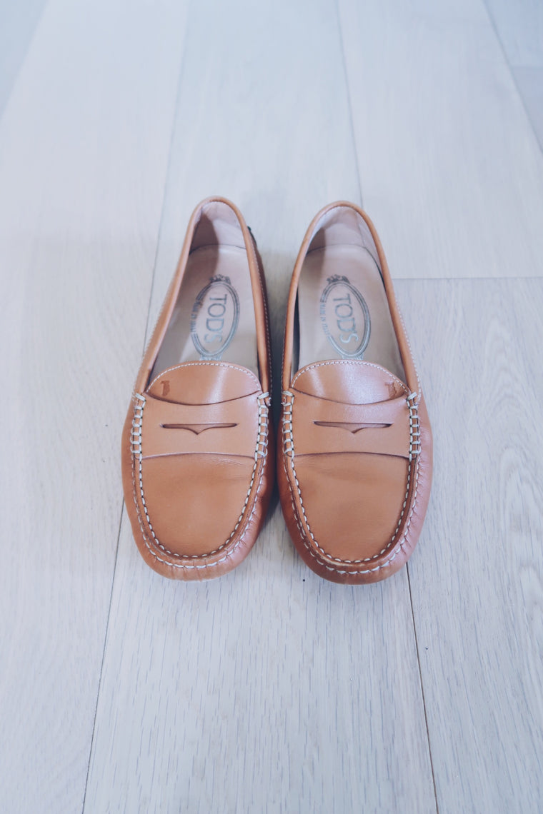TOD'S  'Gommino' loafers in Tan