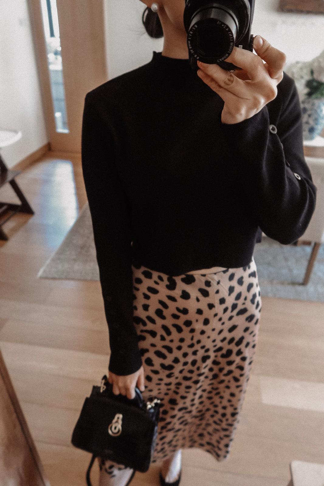 Monica Black Buttoned Sleeve Cropped Sweater
