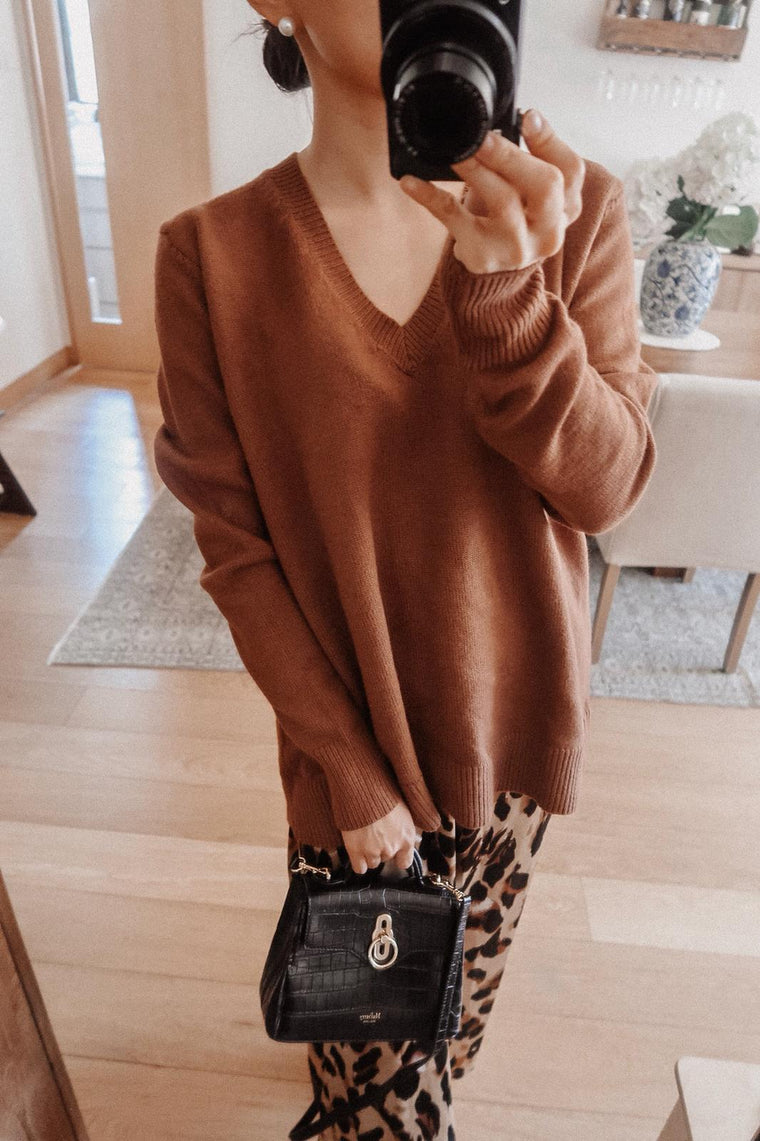 Jenna Brown Ribbed V-neck Long Sweater