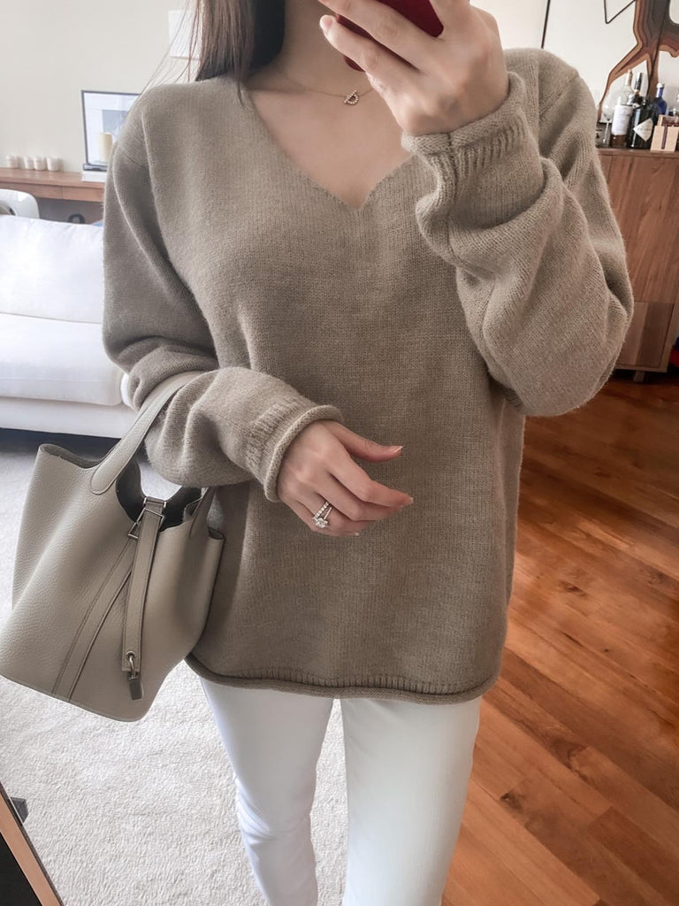 Elva beige v-neck ribbed sweater
