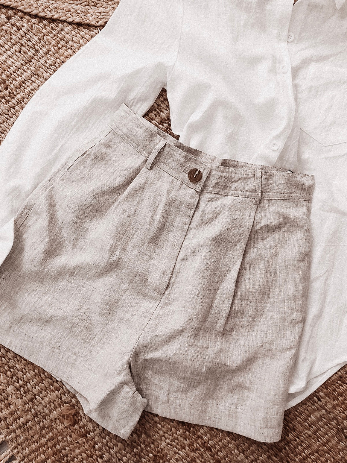 Amari linen high waisted shorts