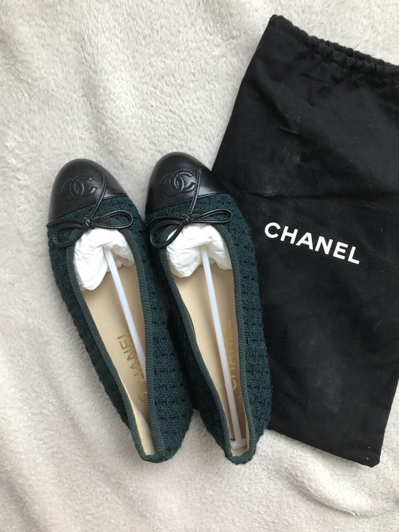 BRAND NEW CHANEL CLASSIC TWEED FLATS
