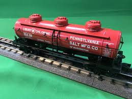 30-73537 - Penn Salt 3-Dome Tank Car
