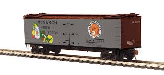 80-94063 - Monarch R40-2 Woodside Reefer Car
