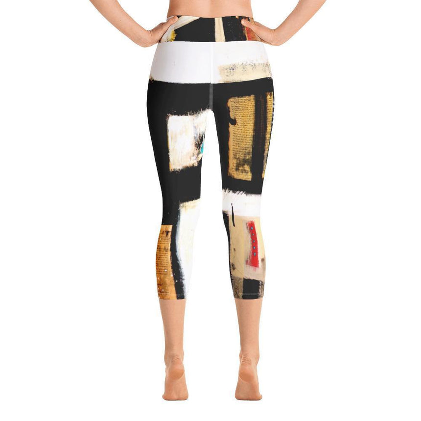 DeBilzan Black Abstract Yoga Capri Leggings