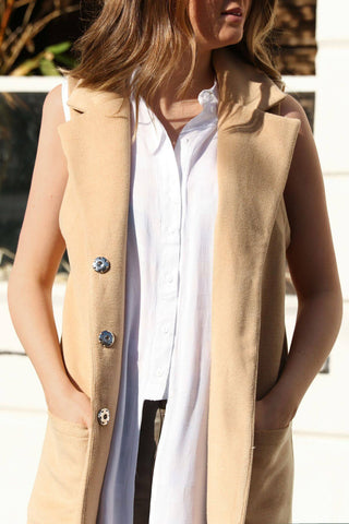Mimi Sleeveless Coat in Tan