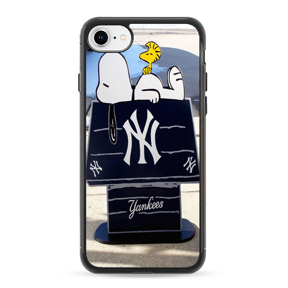 New York Yankees Logos And Uniforms Snoopy iPhone 8 Case | Frostedcase