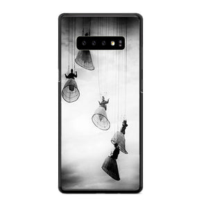 Opera Doll Hanging Black White Samsung Galaxy S10e Case | Frostedcase