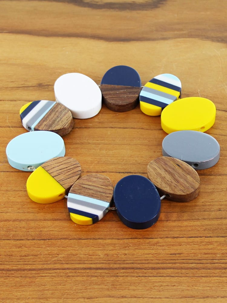 Elasticated Resin and Wood Oval Bracelet